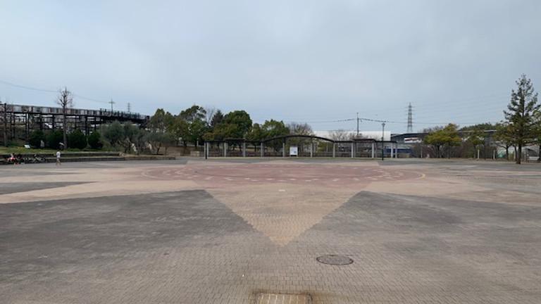 大阪寝屋川公園 中央広場