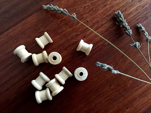 Small Wooden Spools x 10+