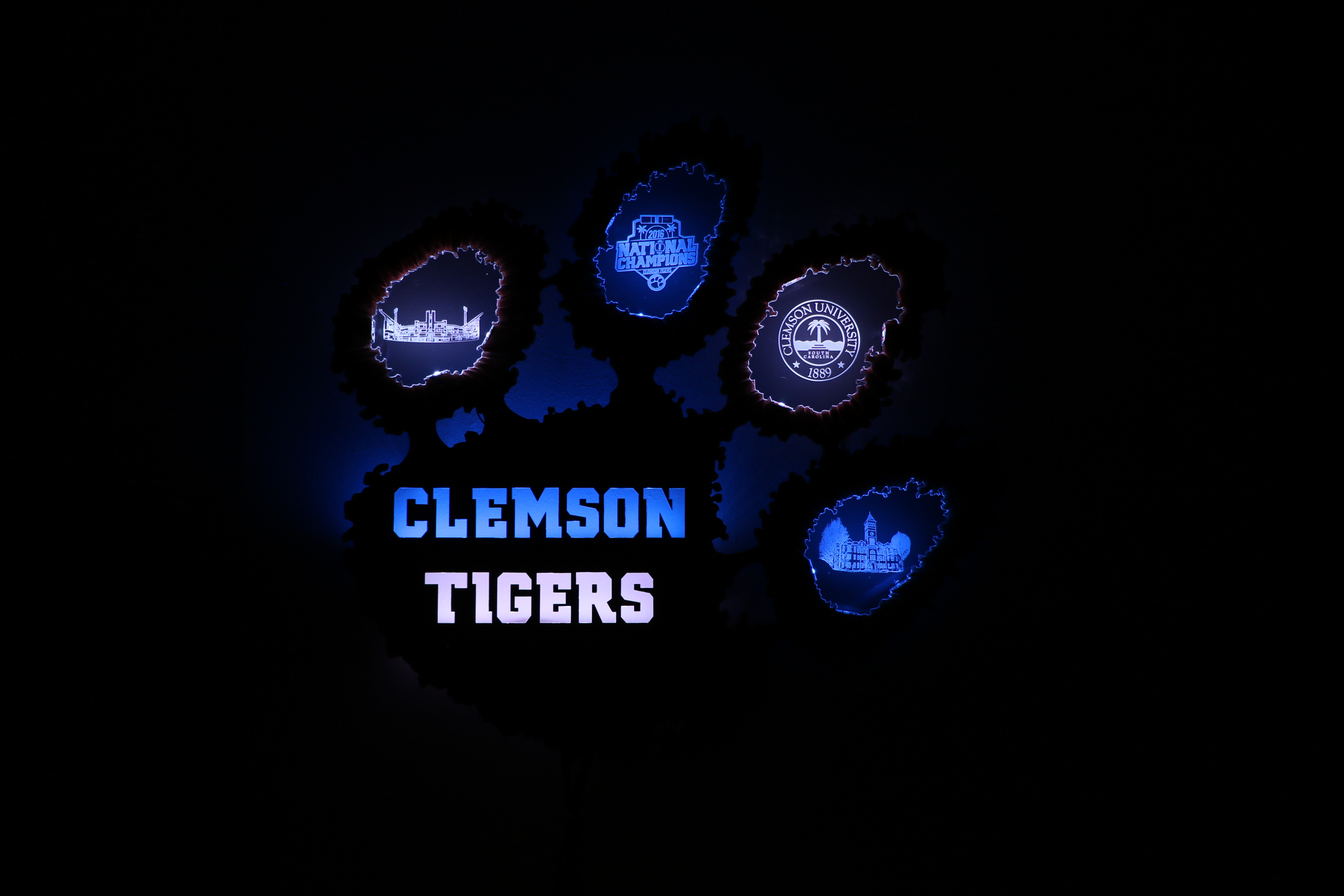 Back-lit Clemson Tiger Paw Sign - Arduino Project by Jacob
