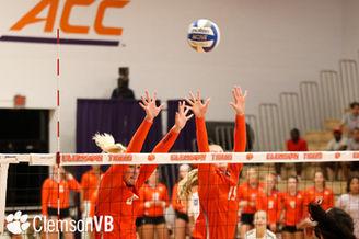 Clemson volleyball block