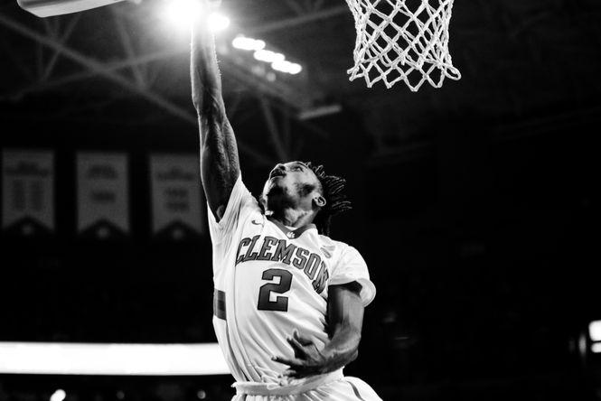 Clemson basketball dunk