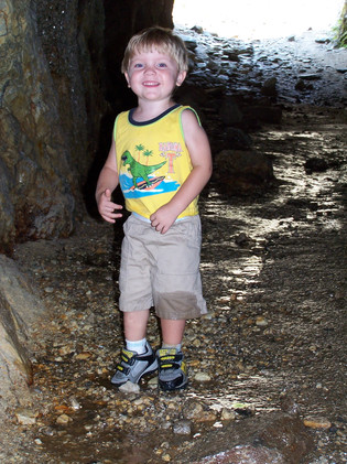 Alex Thompson on a hike rocking mid-leg pants