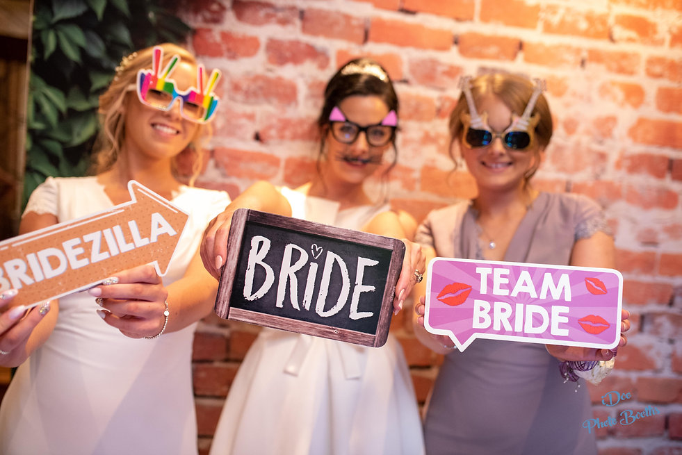 Photo booth hire in Cardiff Newport Swansea