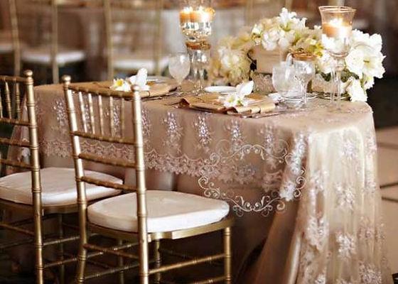 Elegant-sweet-heart-table-decorations.jp