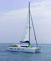 Aldabra-yacht-charter : Balades en mer promenades catamaran La Rochelle