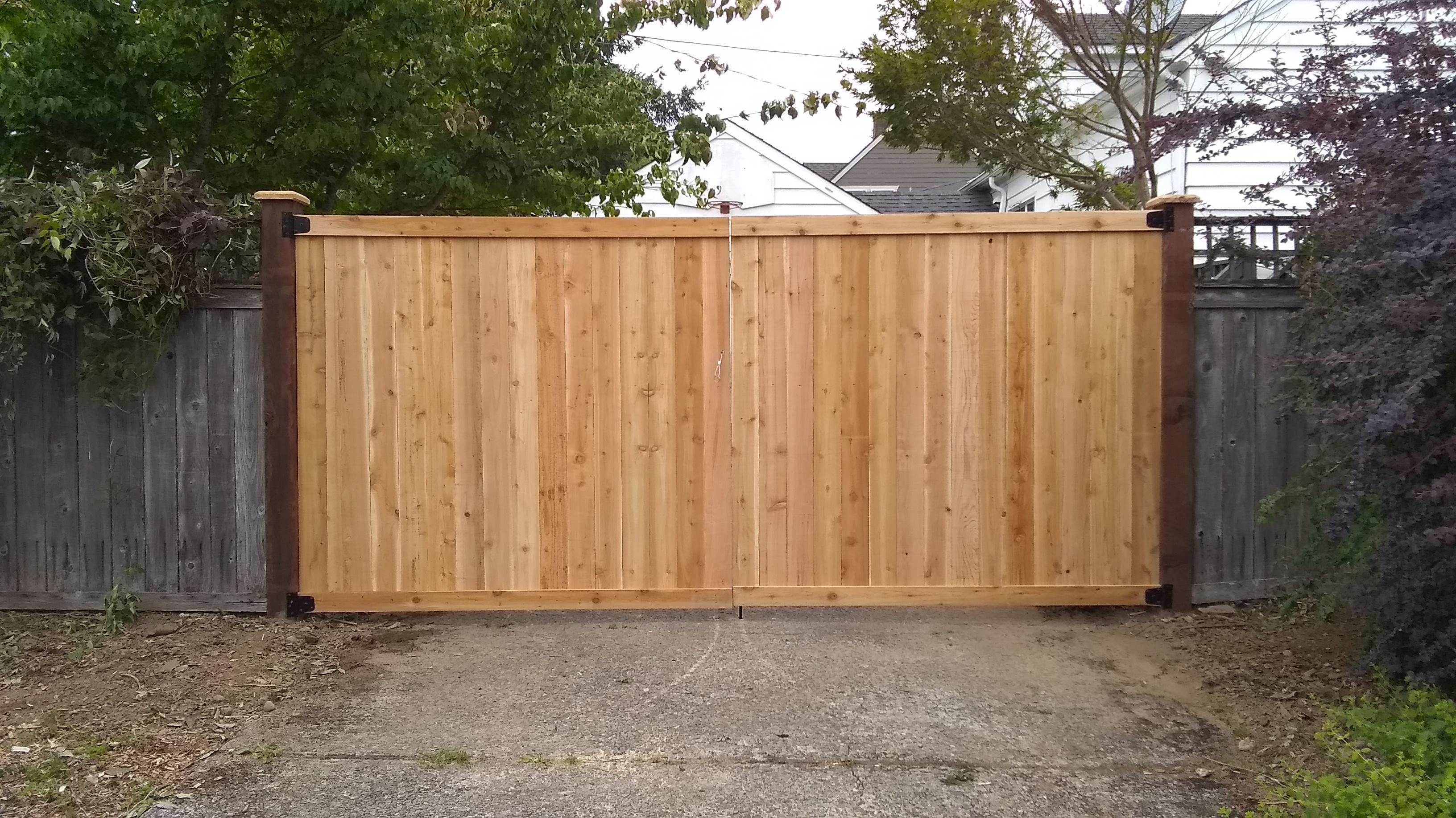 Estate Style Cedar Double Gate