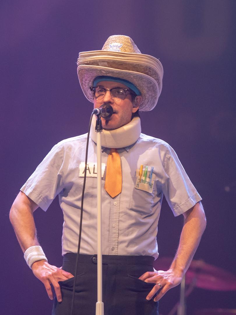 Spazmatics singer with cowboy hat