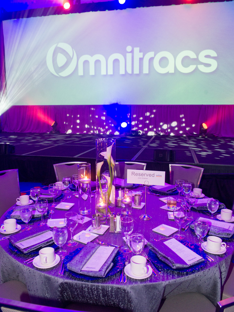 Awards dinner table setting and decor