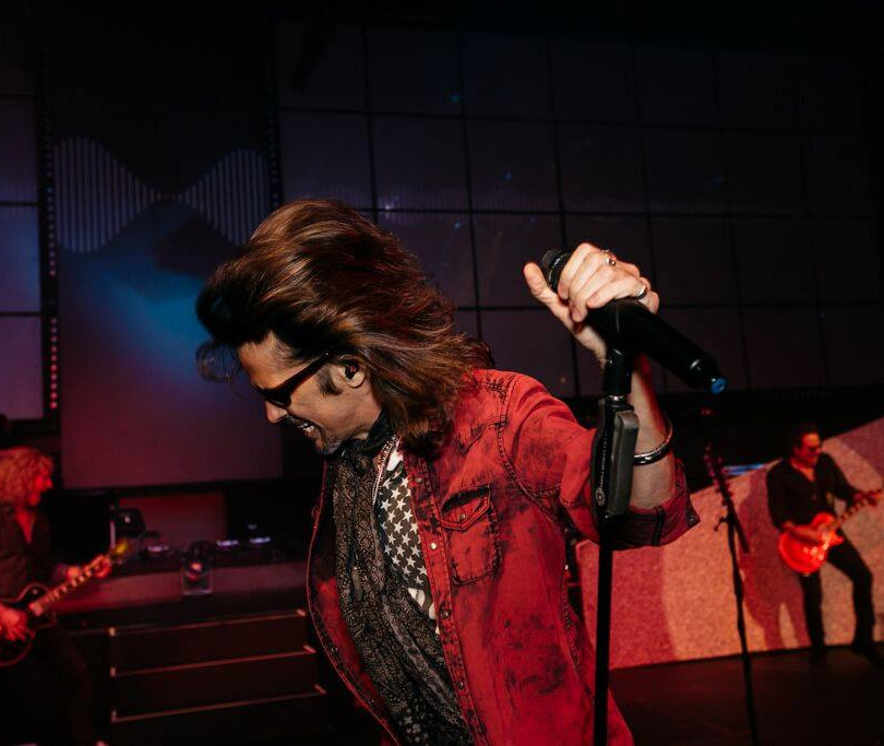 Lead singer of Foreigner at Right On Pointe planned event