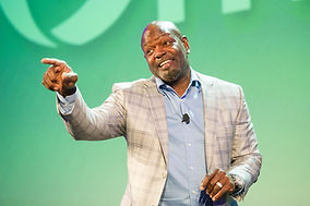 Emmitt Smith as keynote speaker at Omnitracs Outlook User Conference