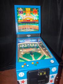 Arcade pinball game