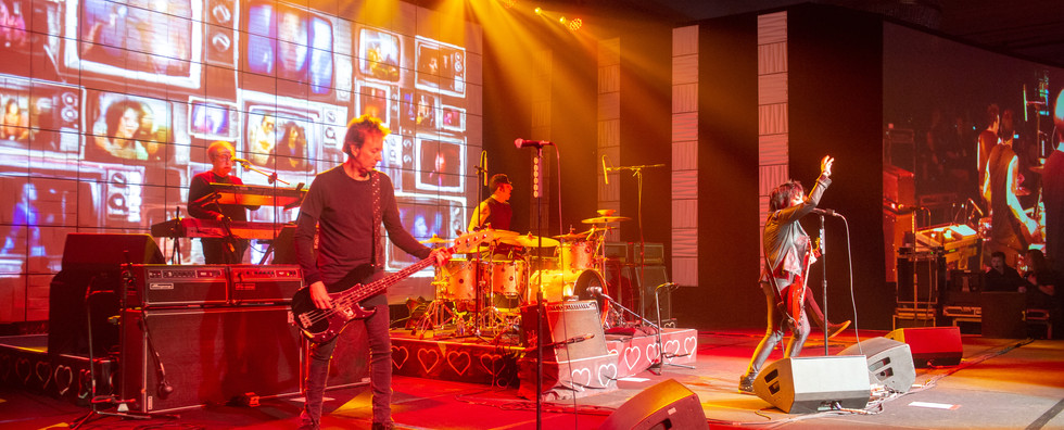 Joan Jett & The BlackHearts hired as evening entertainment for user conference