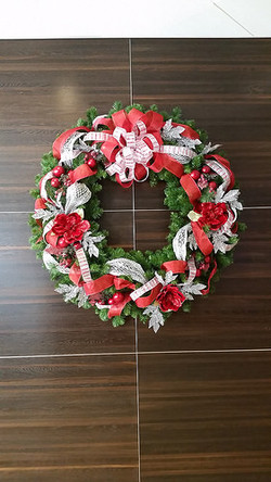 RED SILVER WREATH