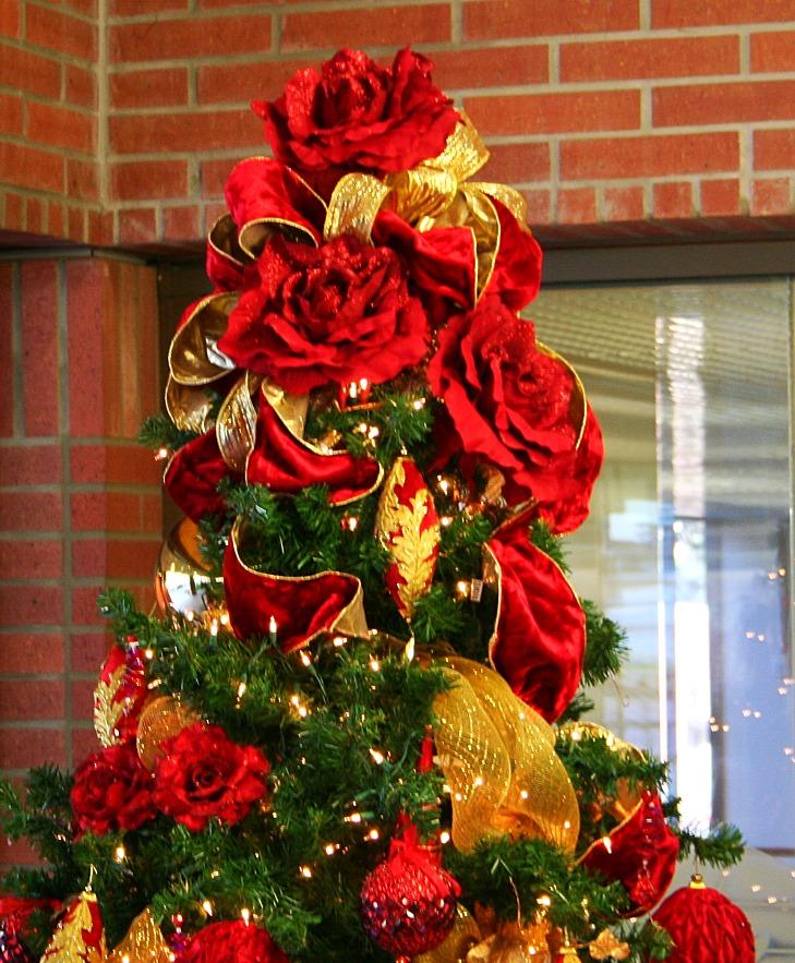 Winter rose tree topper_edited