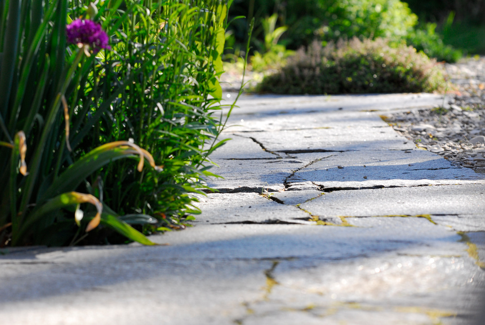 Fussweg aus Tessiner Naturstein