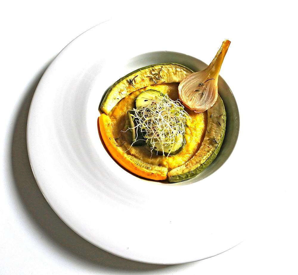 Polenta crémeuse, courgettes rôties au thym