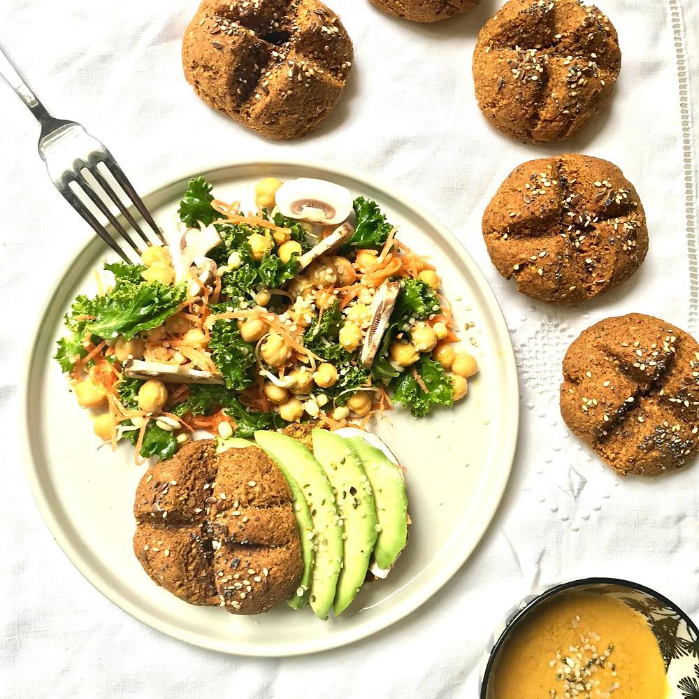 Buns au sorgho, graines, carotte et curcuma