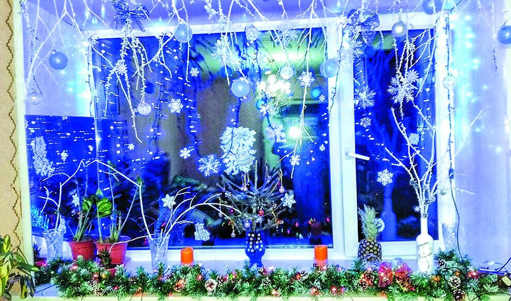 Новогоднее окно Тамары Дробязко