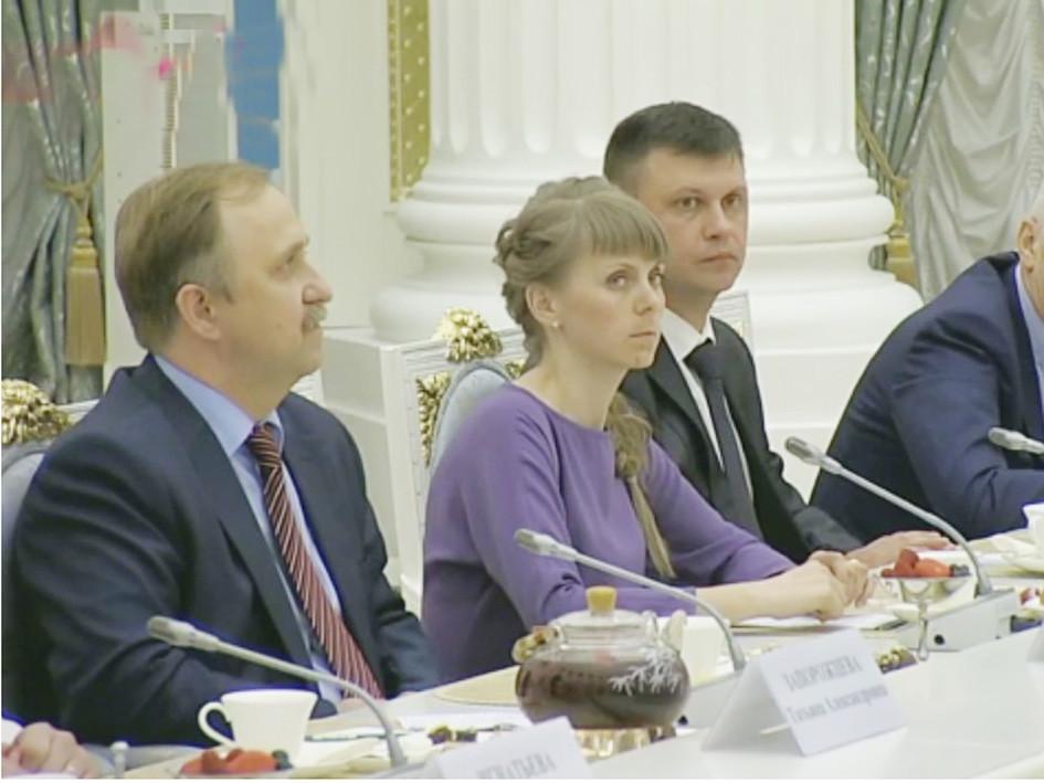 Президентский дворец. Роман Винивитин третий слева