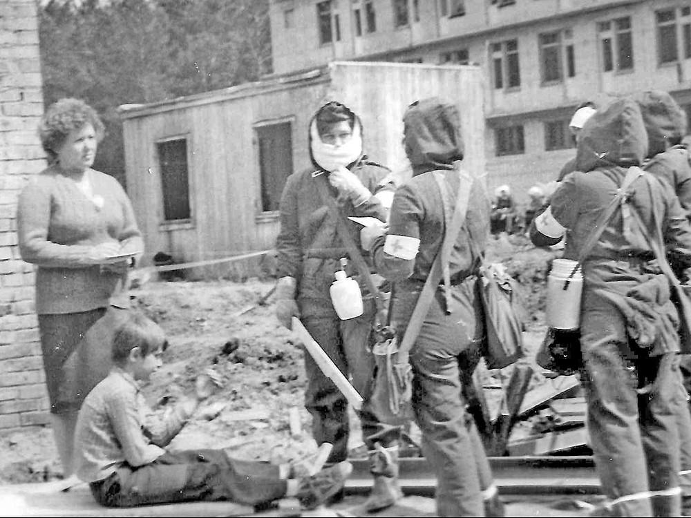 Соревнования санитарных дружин на территории строительства профилактория в Сосновом бору, 1987 г.