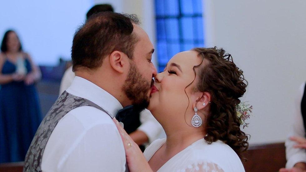 CasamentoGabi&Leo Edição.00_01_56_17.Still005-2.jpg