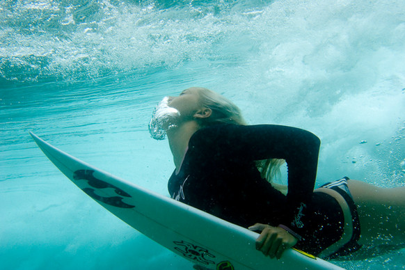 Personal Branding Photographer Northern Beaches Sydney - Paige Duckdiving Wave