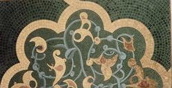 Tapis oriental en smaltes et or