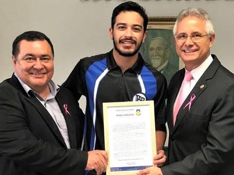 Campeão Brasileiro Individual de Boliche recebe honraria em sua cidade natal