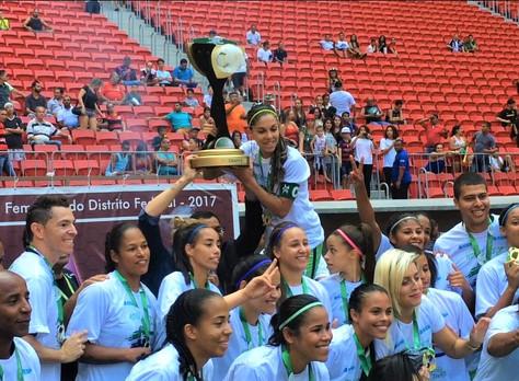Em tarde de Futebol as Meninas do Minas/ICESP mostraram o porque eram as favoritas ao título.
