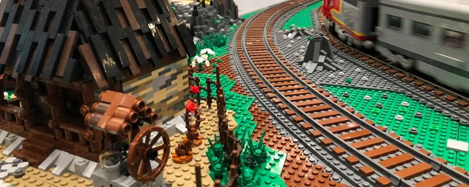 BrickTracks | LEGO-compatible train track