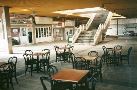 בלוק, תהליך אוצרות שטח, מרכז מסחרי, ינואר 1997