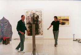 עם צבי הראל, תערוכת הפתיחה, עמי שטייניץ אמנות עכשווית, ינואר 1990