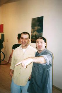 יחידים במינן, נעם הולדנגרבר בפתיחת התערוכה, מרץ 1999