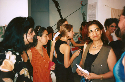 פלסטינ(ה), אמנות נשים מפלסטין, משמאל: נדאא חורי, רנה בשארה, אוקטובר 1998
