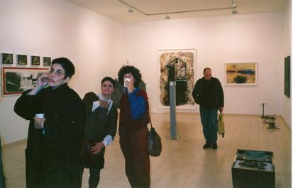 אורי קצנשטיין, דיתה גרי, דרורה דומיני, תאה קיסלוב בתערוכת הפתיחה, ינואר 1990