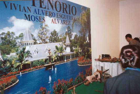 עבודה של דני בק עם משה טנוריו מהפיליפינים, מסע שלא דורש כל אשרה, תערוכת עובדים זרים 2, אפריל 1998