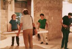 פירוק התערוכה: משמאל לימין, יורם קופרמינץ, דוד וקשטיין וראובן זהבי
