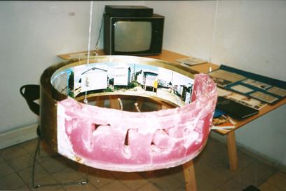 גשר מזהב, עבודה של ציון אלגרבלי, אוקטובר 1998