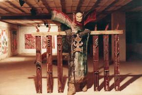 פסל של עופר שמואלפלד