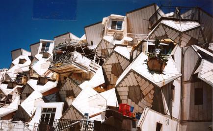 איון, עיצוב, ביקור בבית מגורים, אדריכל צבי הקר, רמות פולין, רמות, ירושלים, אוקטובר 1997