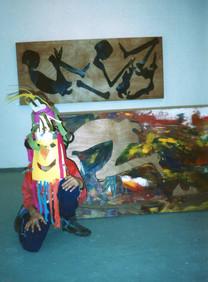 """ילדים פועלים בתערוכת רענן חרל""""פ, תוך, אמן מורה בסדנא, מרץ 1992"""