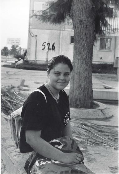 בלוק, תהליך אוצרות שטח, נערה בבית שאן, ינואר 1997