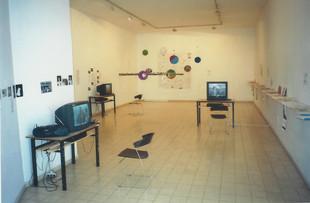 """בעין צעירה, נוער, אמנות, קולנוע, קהילה, פרויקט של ארגון הל""""ה, רכזת שולה קשת, מאי 2001"""