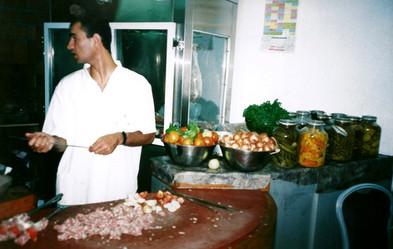 ת'ארוחה, עיצוב, אוצרות שטח, מסעדת דיאנה, נצרת, ינואר 2000