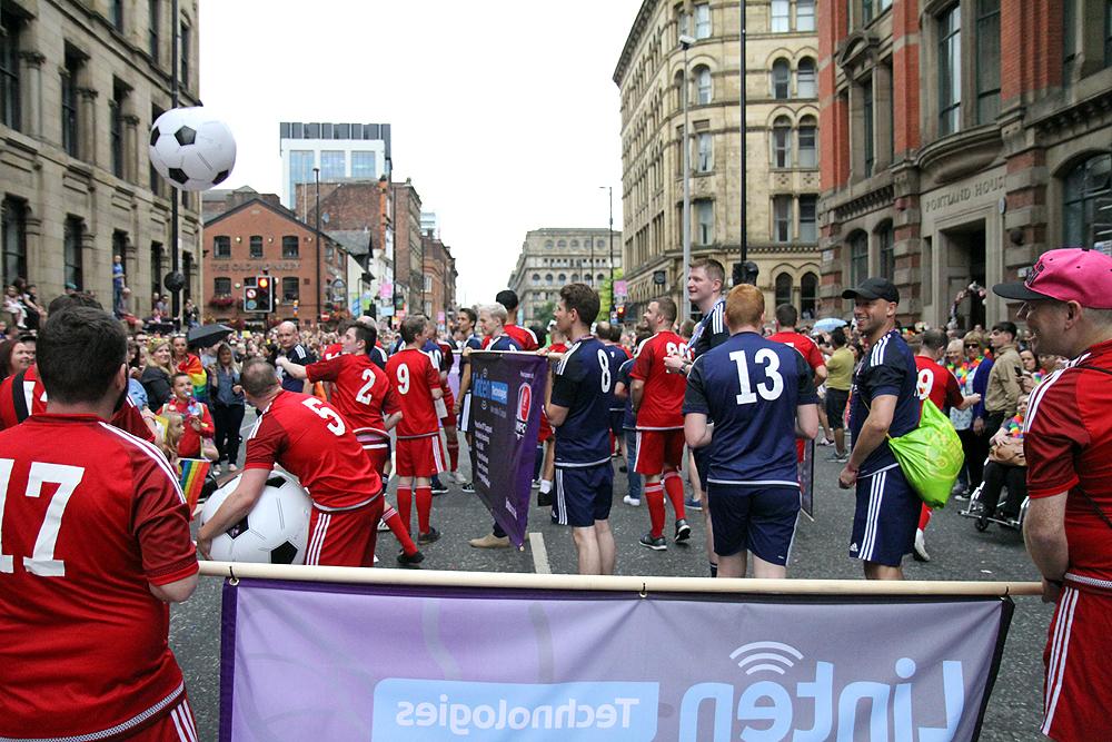 Pride Parade 2016  (2007).JPG