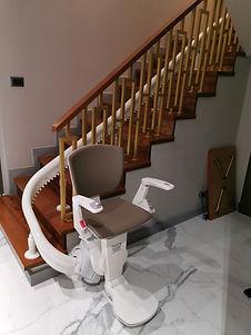 เก้าอี้เลื่อนขึ้นบันได scg