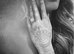 J7-Henna.png