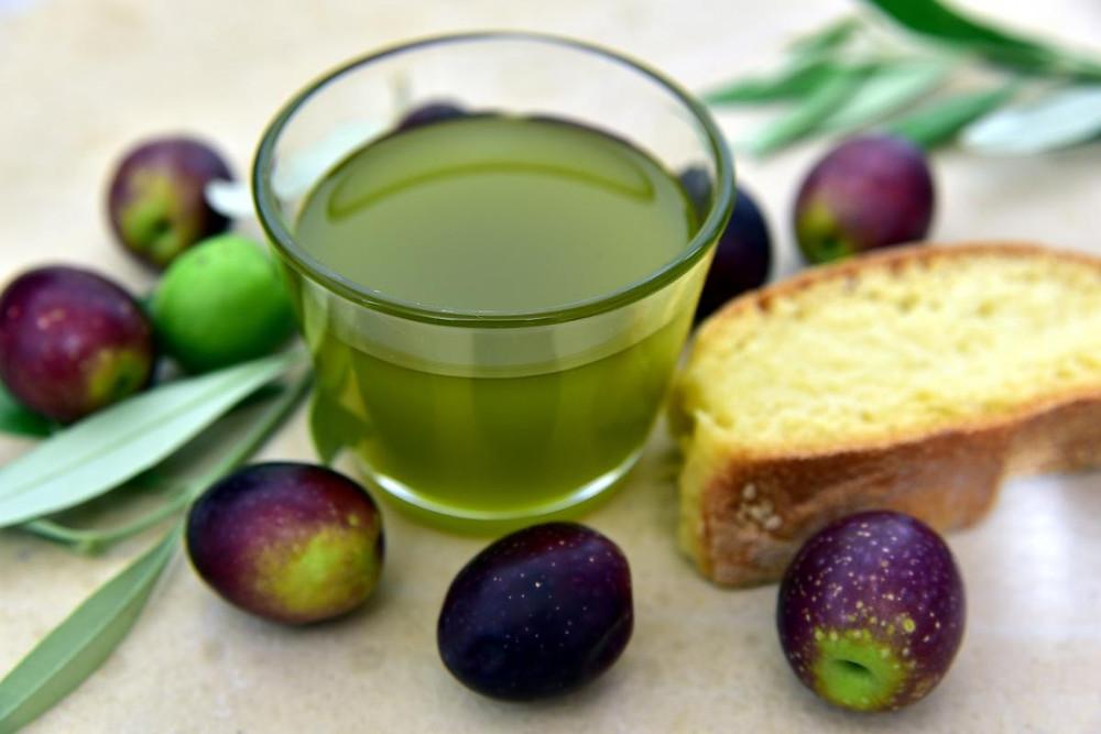 Olio pane olive