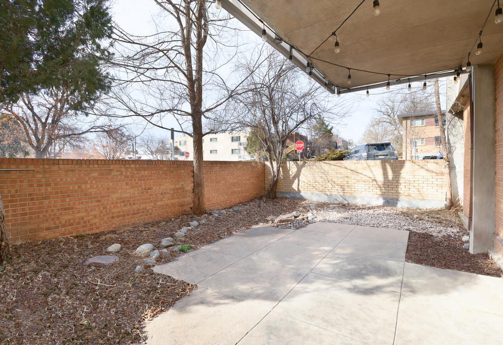 Private Yard & Patio