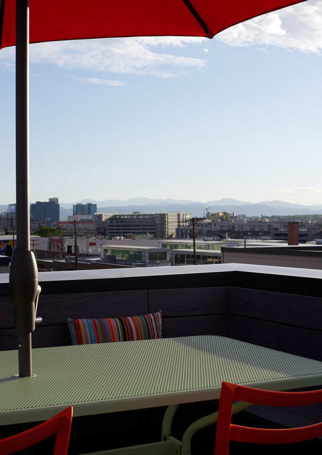 enjoy al fresco dining on the private rooftop terrace with natural gas grill